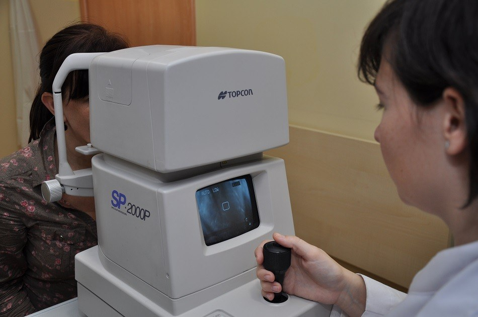 Specular microscopy or Endothelial cell counting