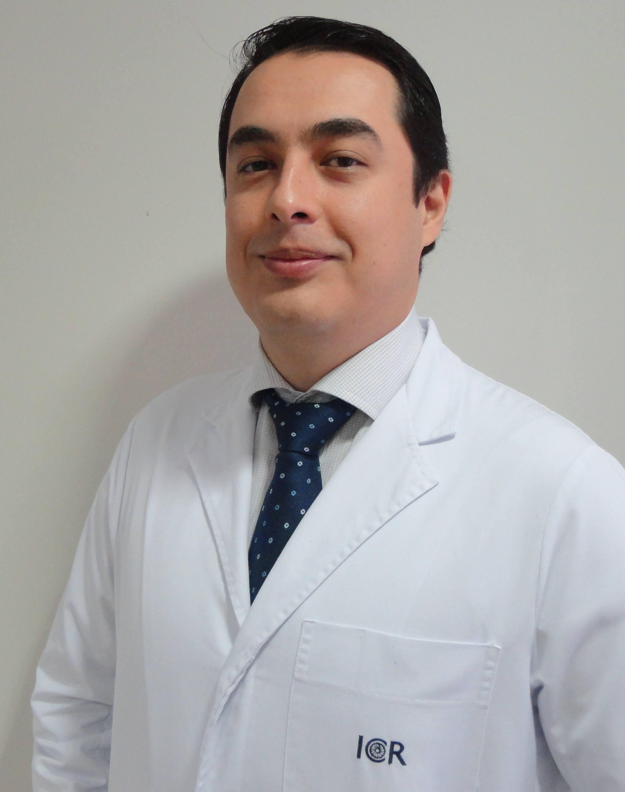 Dr. Javier Reyes - Dr.-Reyes