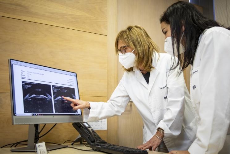 Dra. Martí i Dra. Guerrero en consulta