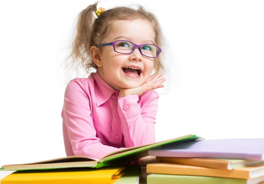 ¿Puede afectar la hipermetropía a la alfabetización preescolar?