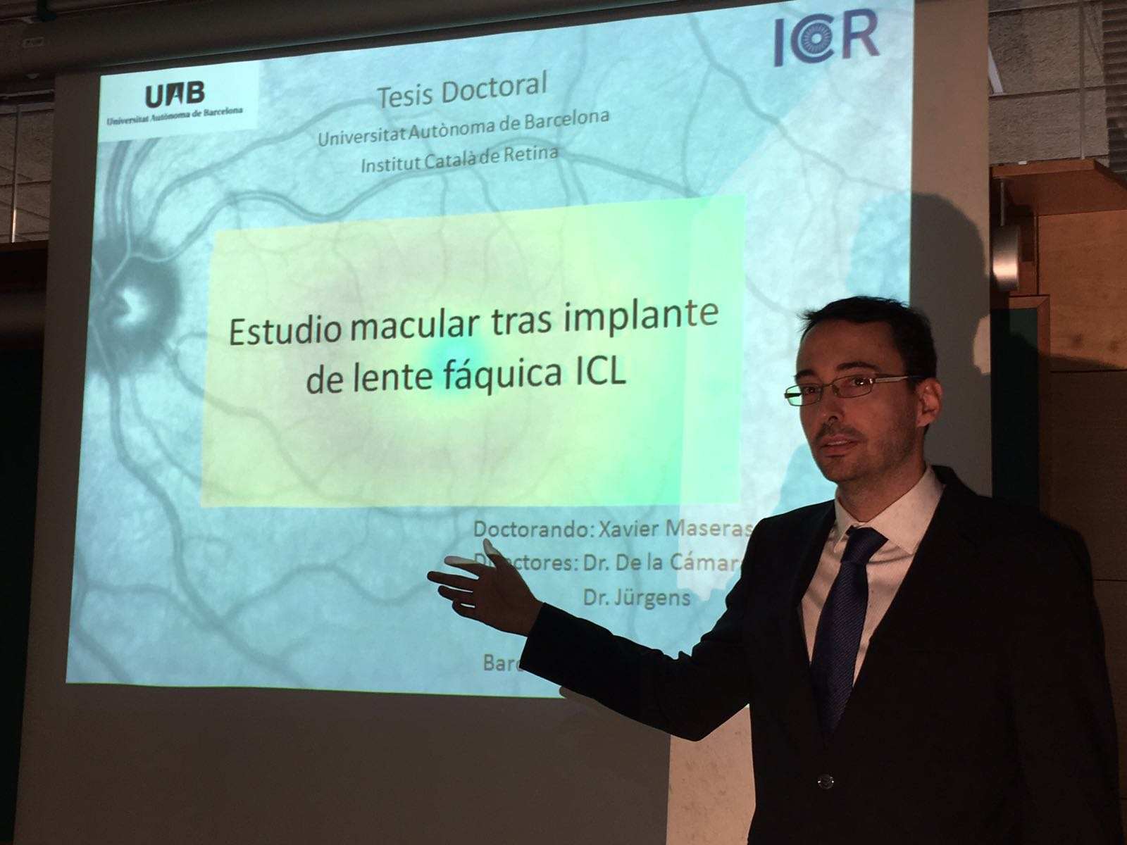 Dr. Xavier Maseras presents his doctoral thesis defense, a macular study after the implantation of ICL phakic lenses