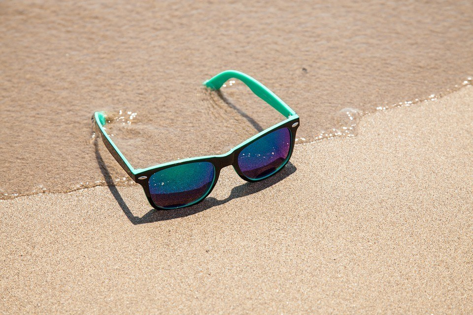How to choose sunglasses for summer?