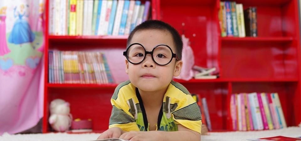 هل صحة عيون اولادي جيدة؟ أعراض وعلامات التحذير