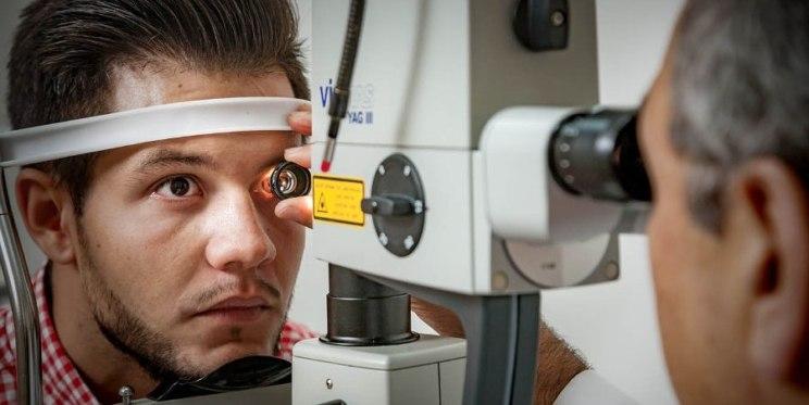 salud ocular en adultos de menos de 40 años