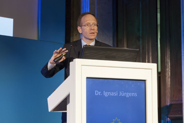 "Dr. Jürgens gives presentation at the 4th Scientific and Training Conference ""OCT In Ophthalmology"""