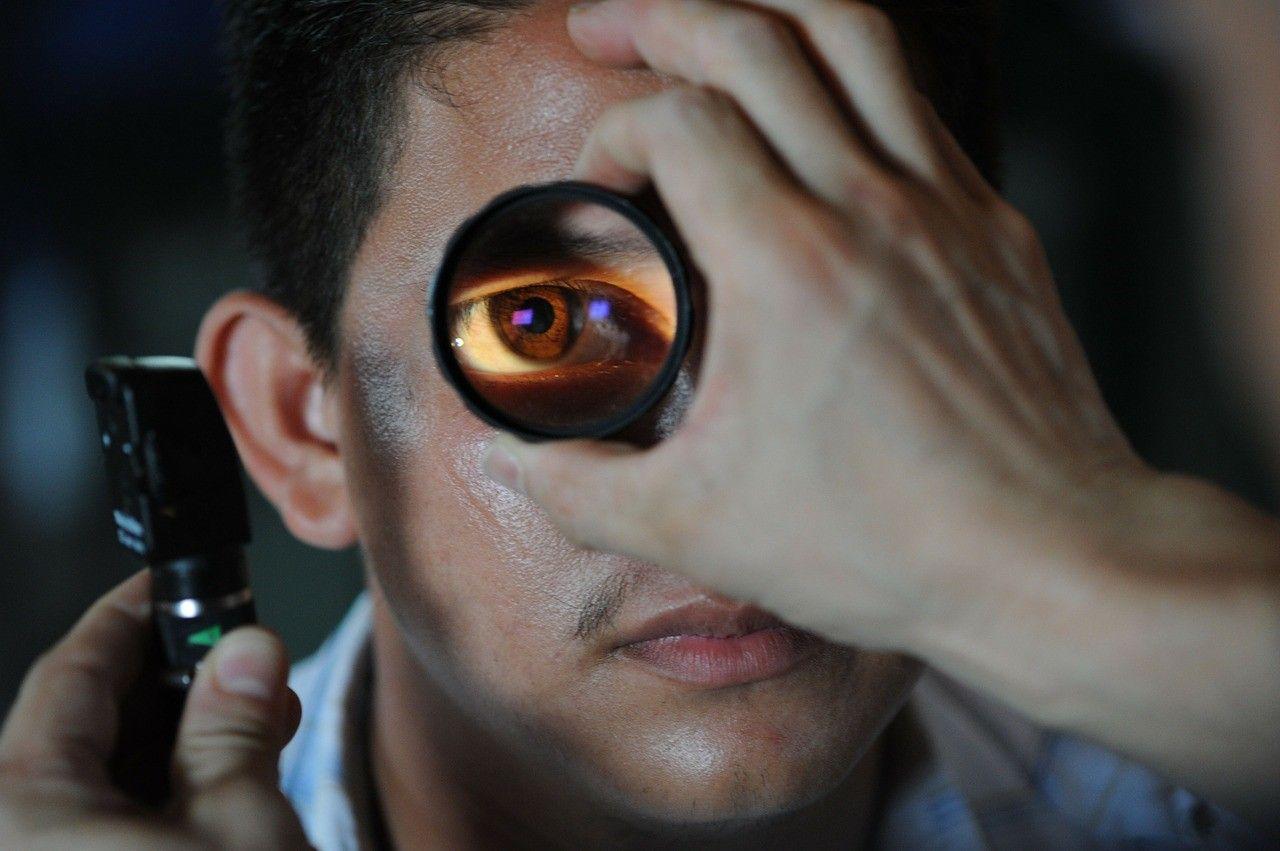 Oftalmòleg i optometrista: quina diferència hi ha?