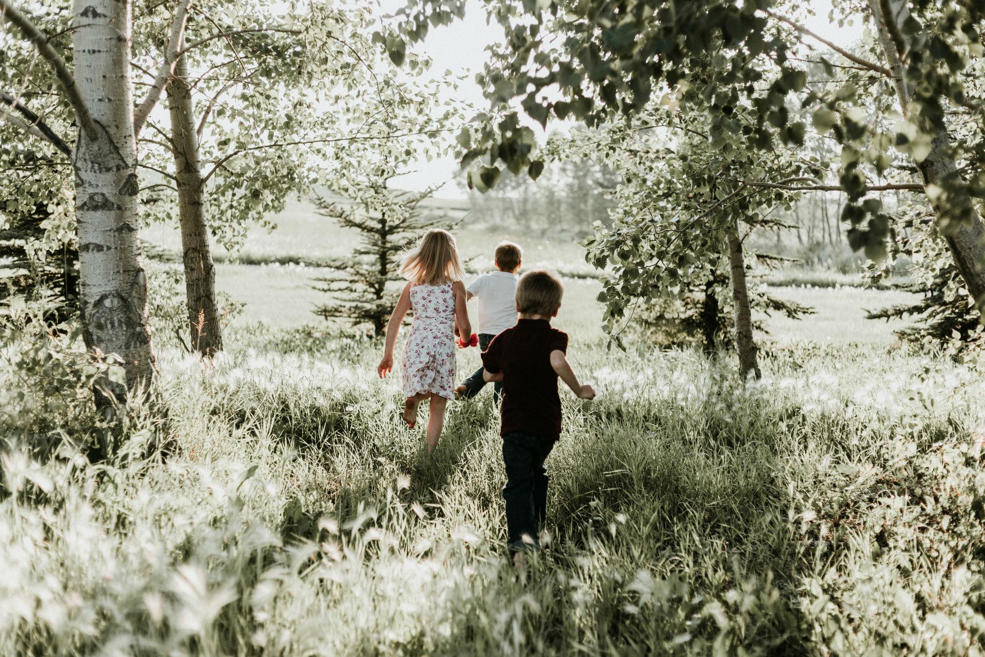 Un estudi mesura si les activitats escolars a l'exterior poden prevenir la miopia