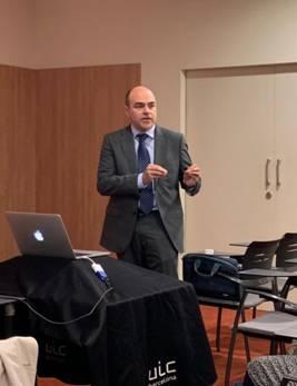El Dr. Marcos Muñoz defendiendo su tesis doctoral