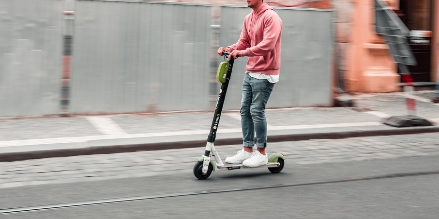 The media talk about the recommendation of ICR to electric scooter riders